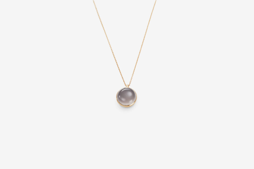 Clear stone neck G