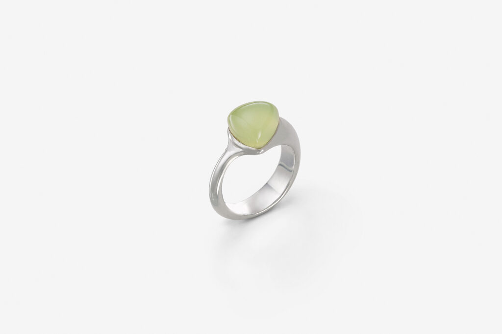 Clear triangle S, <em>Mint green</em>